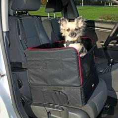 Autozetel voor kleine hond